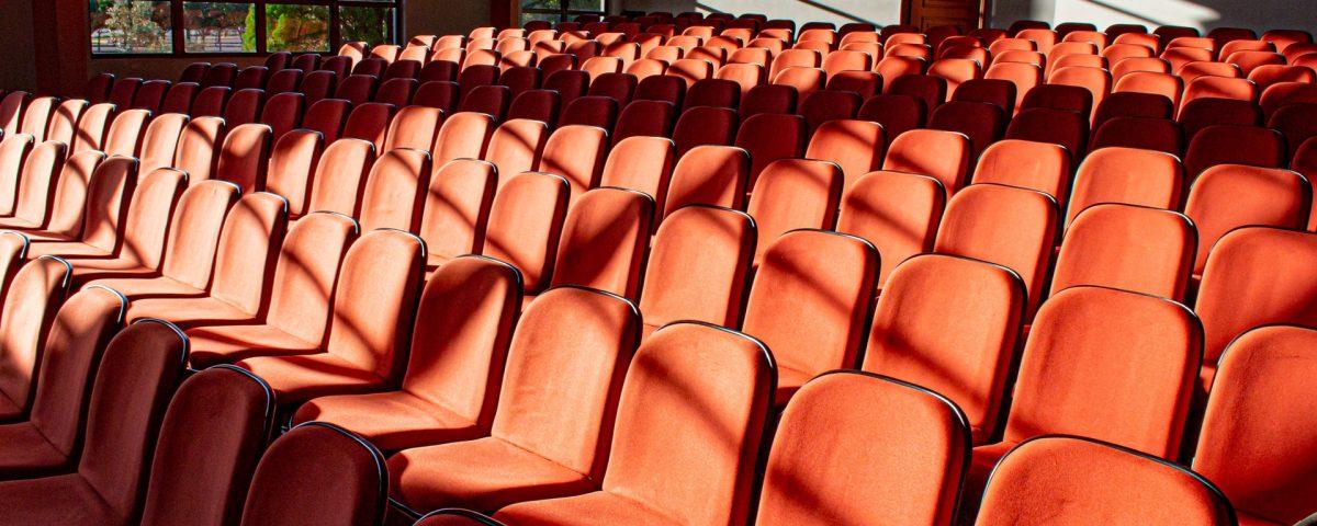 Konferenz Micro2020-die Stühle bleiben leer-wir starten virtuell.