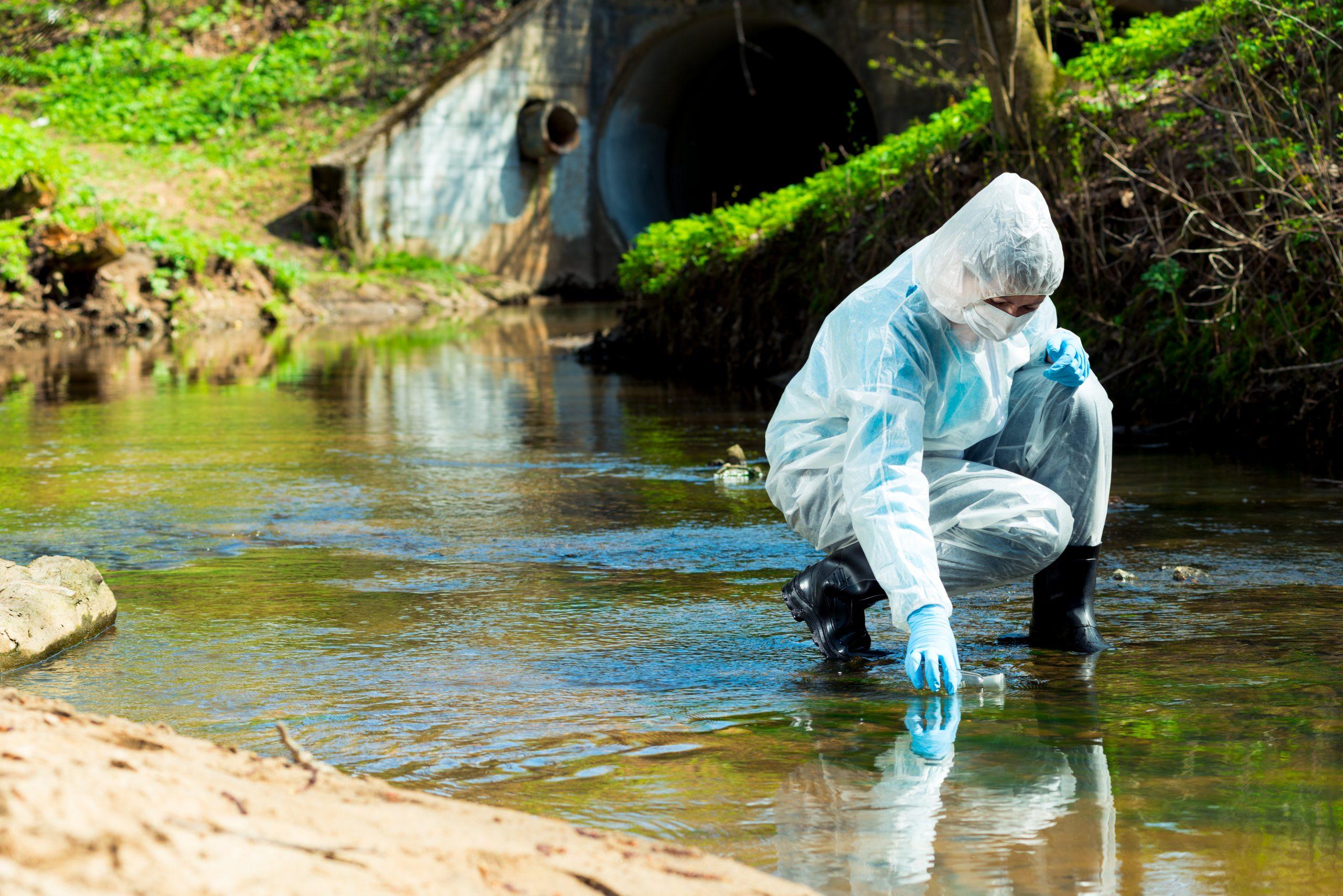 Mikroschadstoffe, darunter PFAS Verbindungen und PFCAs belasten unser Wasser, mit teils verheerenden Auswirkungen